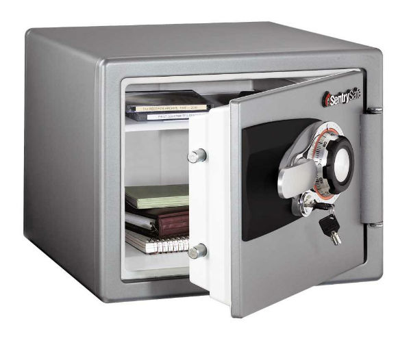 Sentry® OS0401 Fire-Safe Combination Safe